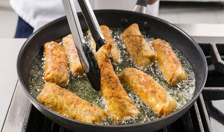 How to Cook Egg Rolls in Frying Pan
